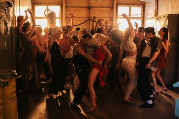 MONATIK выпустил фирменное танцевальное вещество - Vitamin D
